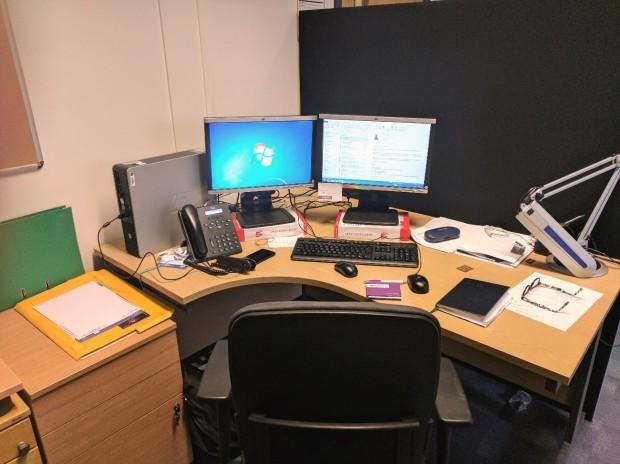 schoolhill desk